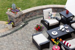 Patio with black-white furniture