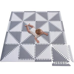 Meiqicool Puzzle Play Mat with a white-gray triangular pattern