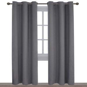 Curtains for soundproofing of a room